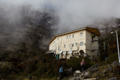The first day ends at the Laban Rata resthouse. Tomorrow will be a long day but the altitude makes it difficult to sleep.