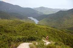 The descent towards Tsin Shui Wan Au.