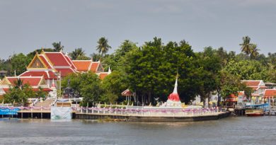 A bicycle ride around Koh Kret: Island in the city