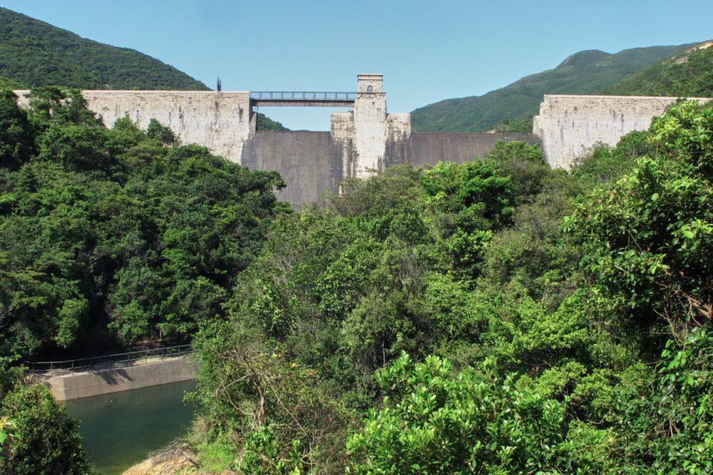 Hiking in Hong Kong: Tai Tam Intermediate reservoir dam