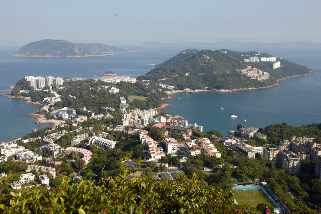 Hiking in Hong Kong: Stanley peninsula on the descent from The Twins