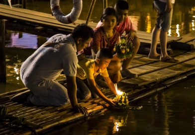 Loi Krathong: Candles in the wind
