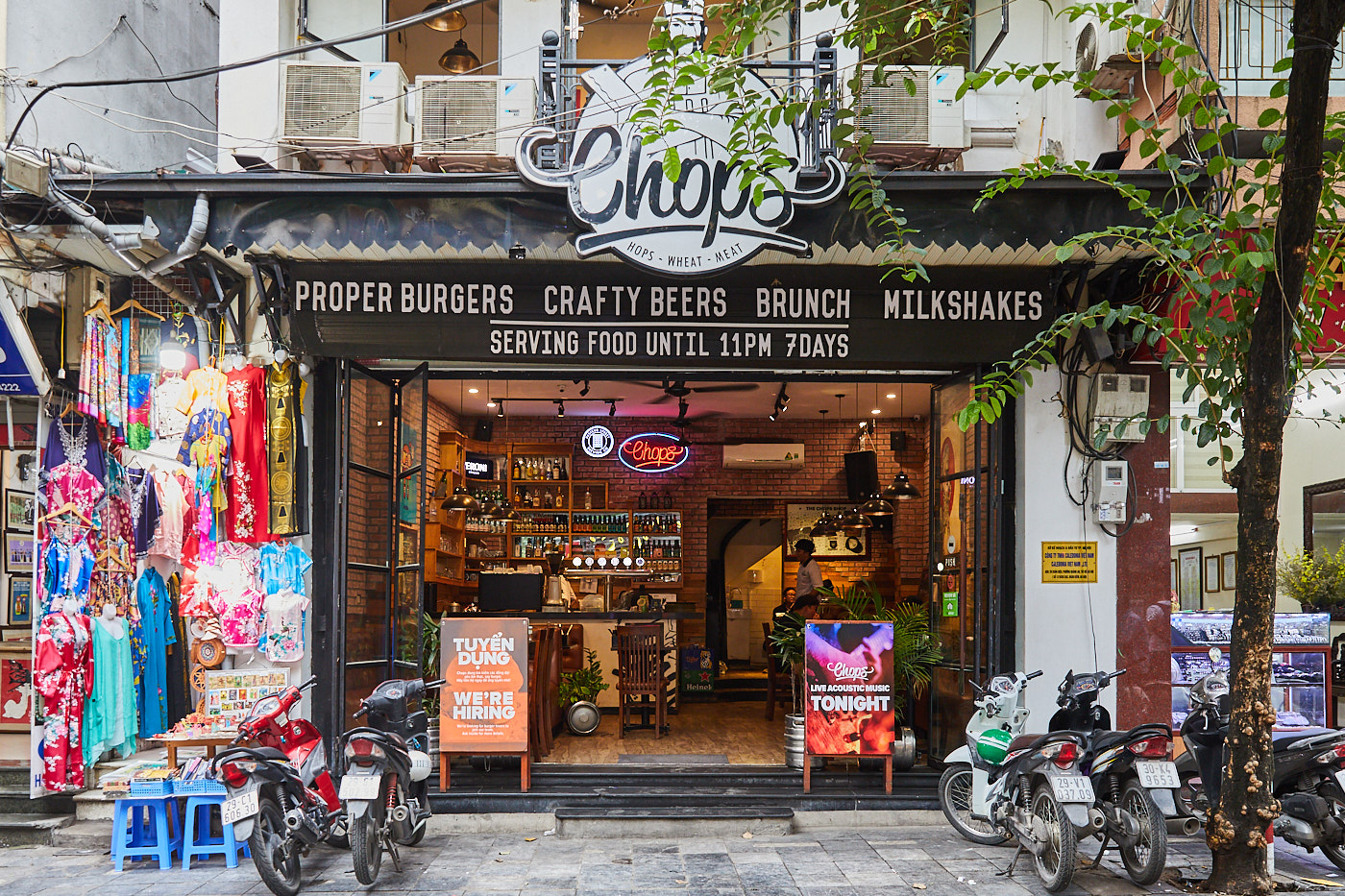 Craft beer and burgers at Chops, Hanoi