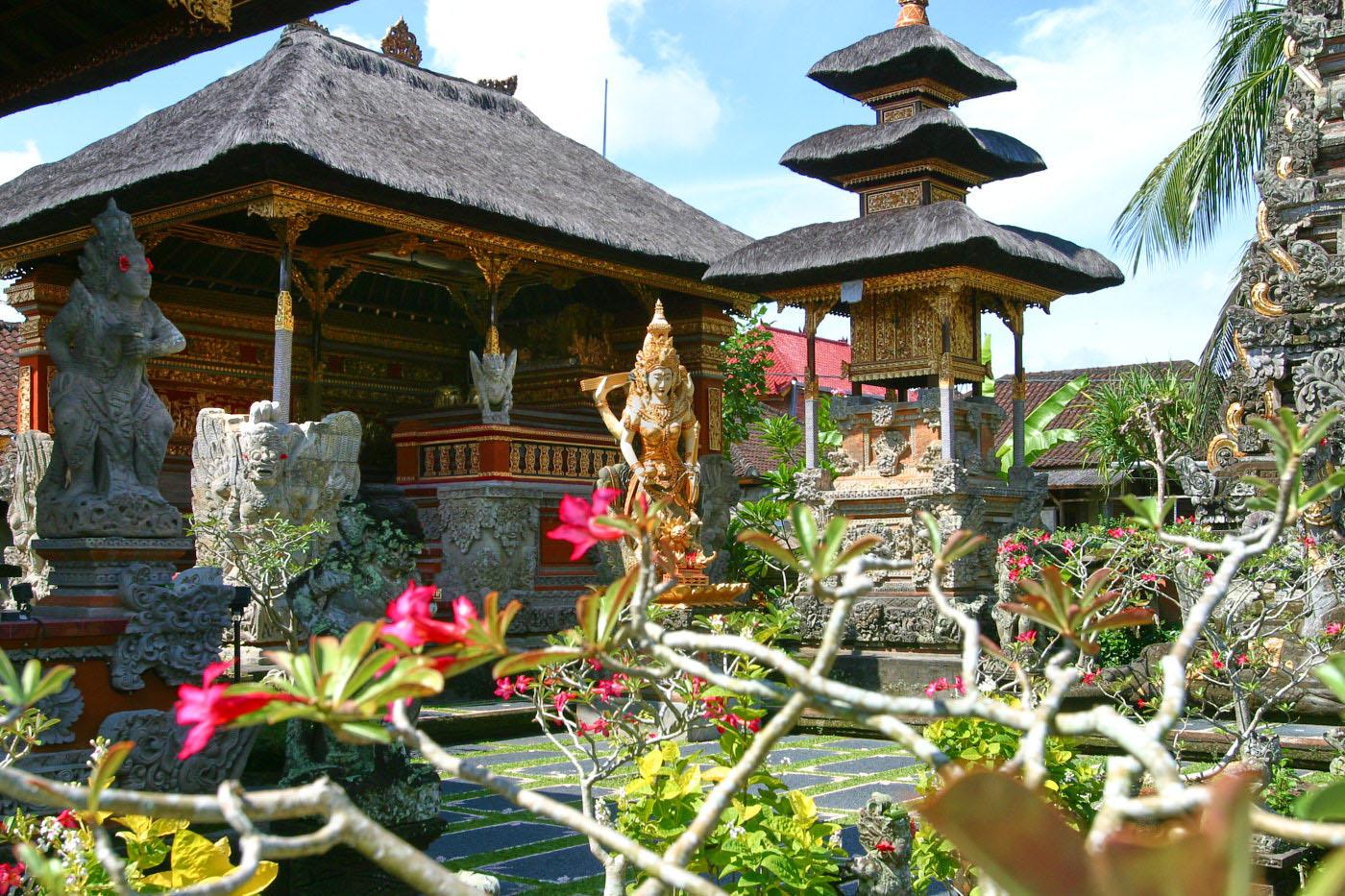 Vietjet to Bali, Delhi and Singapore