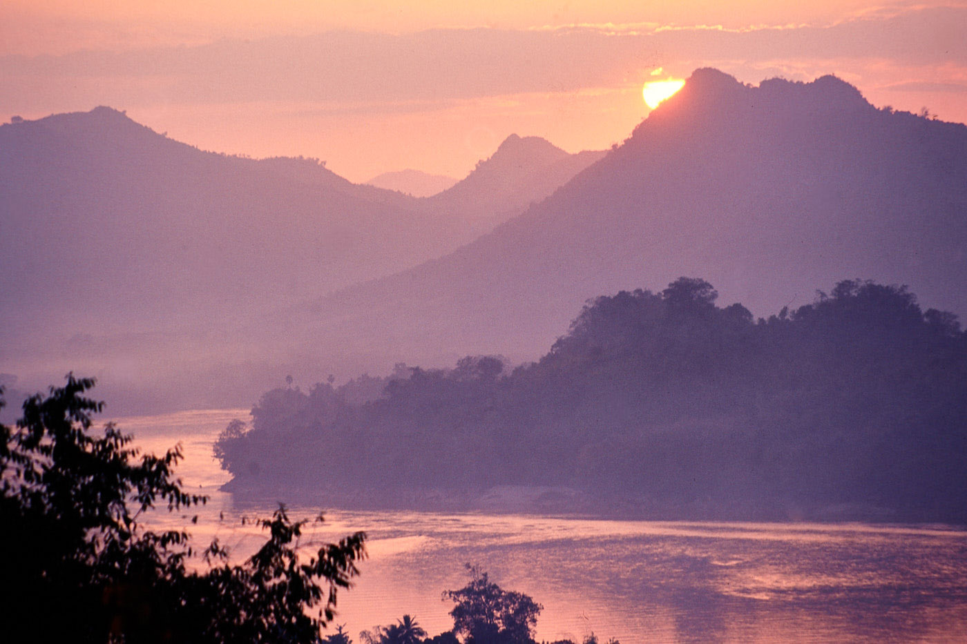 Luang Prabang, Watching the river flow