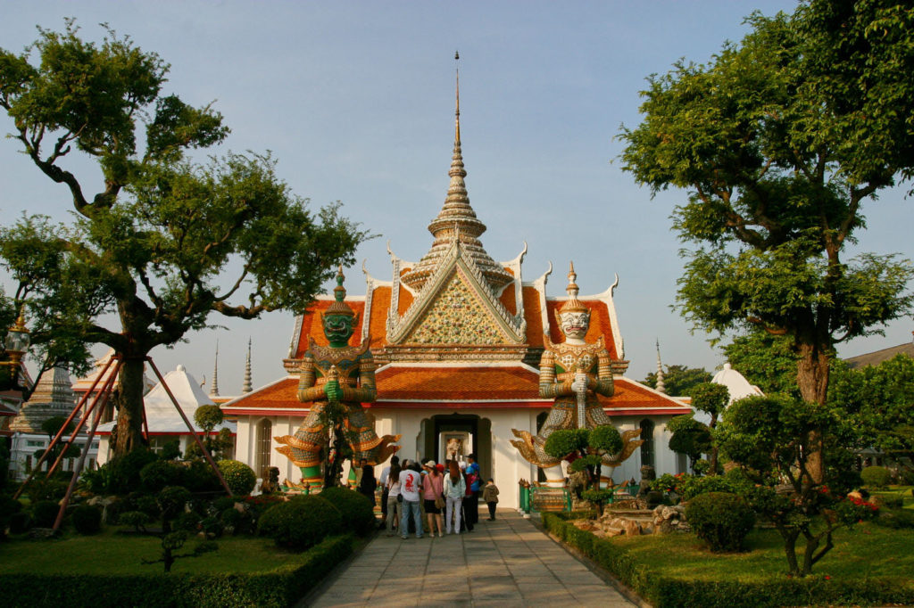 Bangkok by foot - Ubasot at Wat Arun