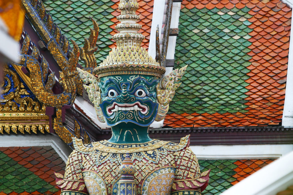 Bangkok by foot - A guard at Wat Phra Kaew