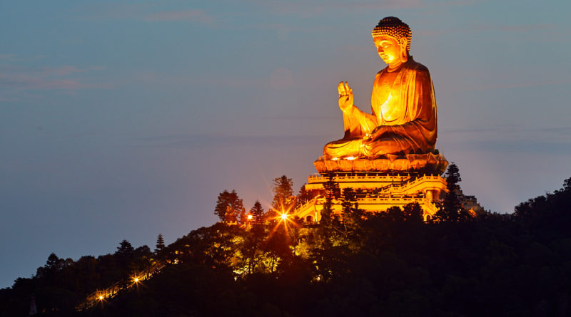 Hiking the Big Buddha and wisdom path